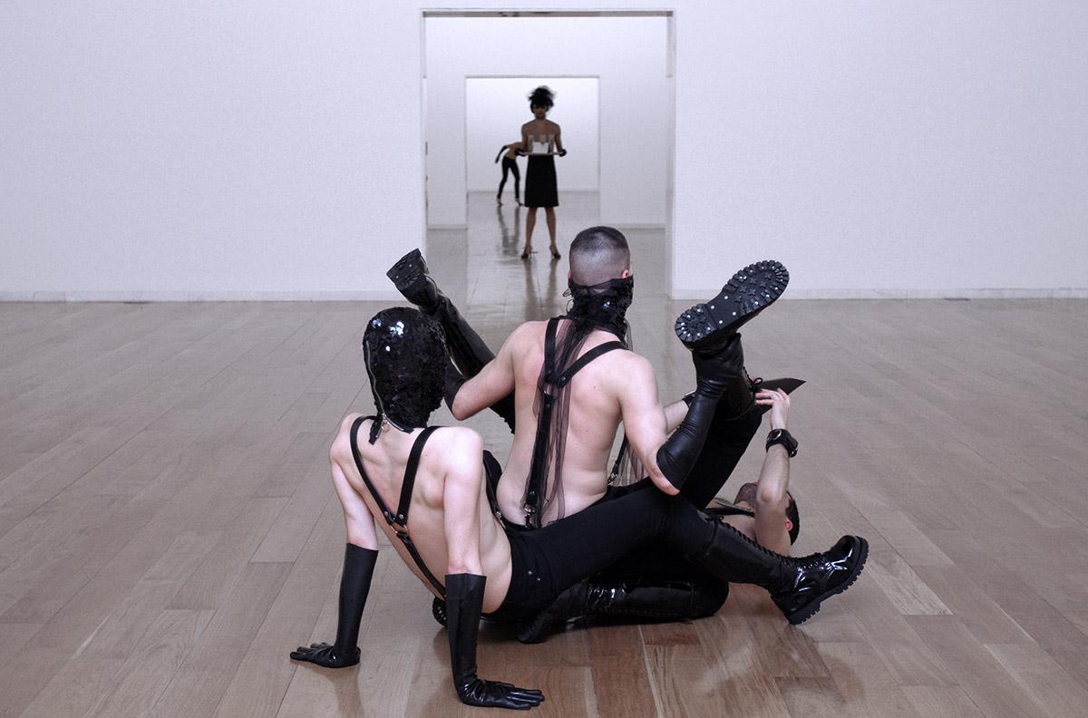 Joan Morey. OBEY. Humillados y ofendidos, 2007-2009. Cortesia de l'artista