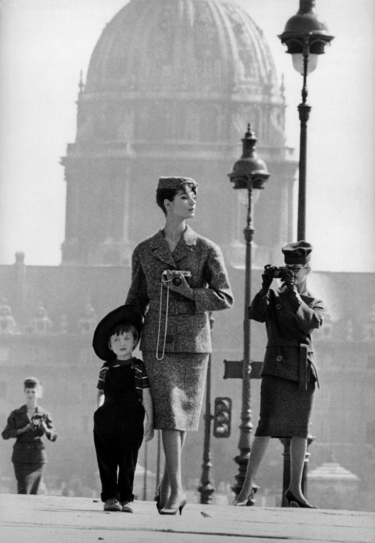 'París' per a Jardin des Modes (1958)