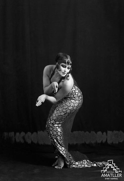 Tórtola Valencia, la dansa de la serpent (1914, C-10922).