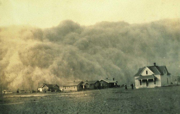 Tempesta de pols sobre Stratford, Texas @ Autor desconegut, 1935. Cortesia del NOAA's National Weather Service