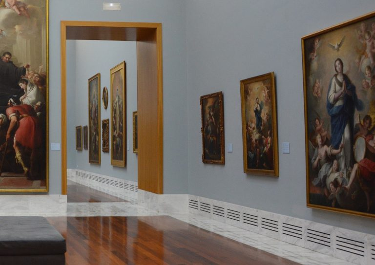 Una de les sales expositives més ben habilitades i lluminoses. Fotografia: Museu de BBAA