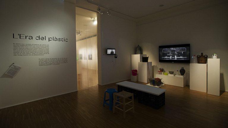 El plàstic, element de controvèrsia i reflexió en l'exposició del Museu de la Vida Rural