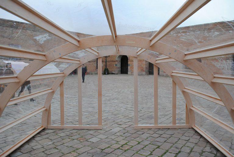 Interior d''Impasse', instal·lació de Julia Calvo