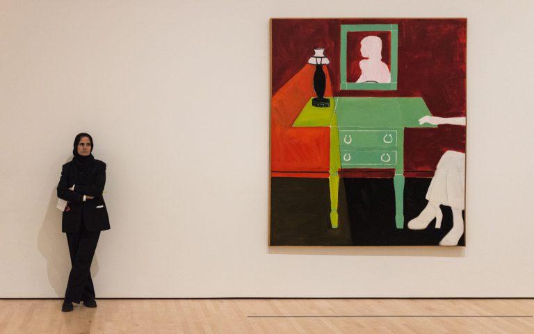Treballadora de sala al SF MoMA. Foto: Will Wilson.CC.