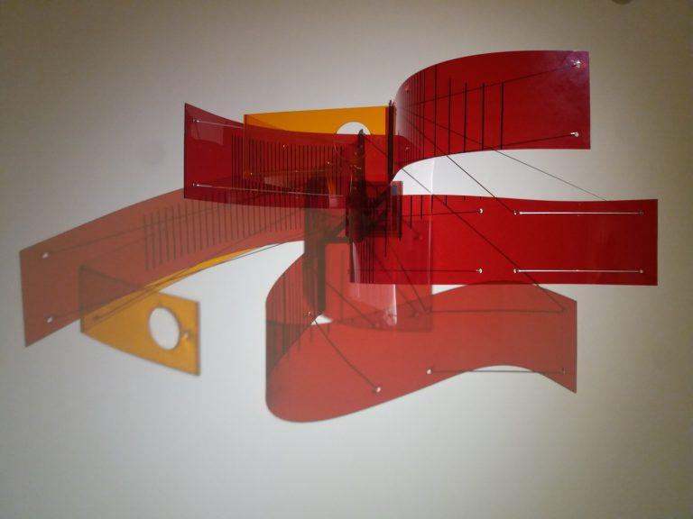 Una de les micro-instal·lacions que projecten quelcom semblant a una pintura.