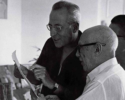 Picasso i els editors Gustavo Gili, en una sessió de treball i amistat. Foto: Museu Picasso
