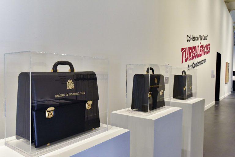 L'exposició, comissariada per Nimfa Bisbe, es va poder veure l'any passat a Lisboa en el marc del programa Lisboa, Capital Iberoamericana de Cultura 2017, però ho fa amb una selecció d'obres renovada i especialment triada per ser exhibida únicament a CaixaForum Barcelona.