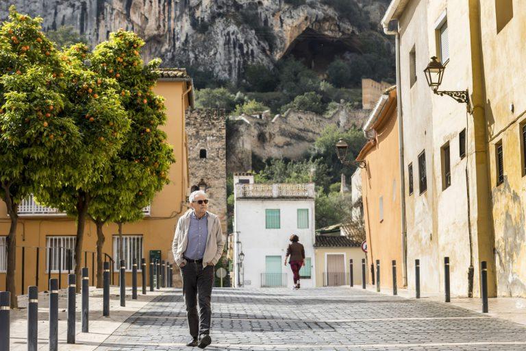 Artur Heras, en la pujada al Castell de Xàtiva. Fotografia: Miguel Lorenzo