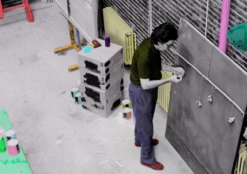 Antoni Tàpies, treballant. Foto: Fundació Tàpies