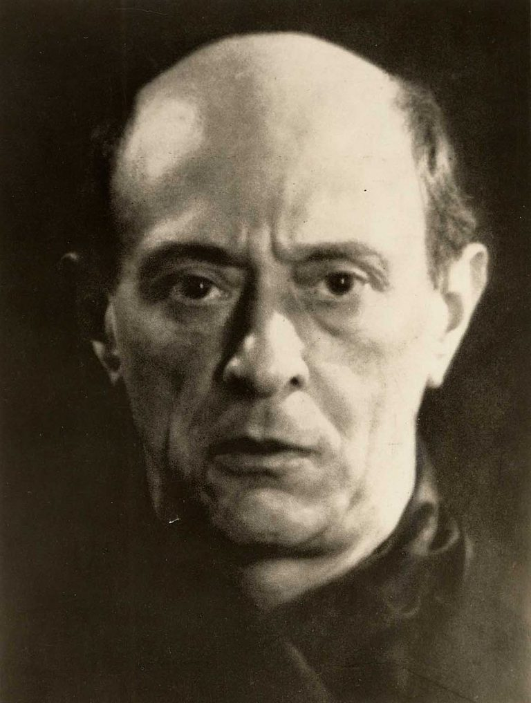 Arnold Schönberg fotografiat per Man Ray