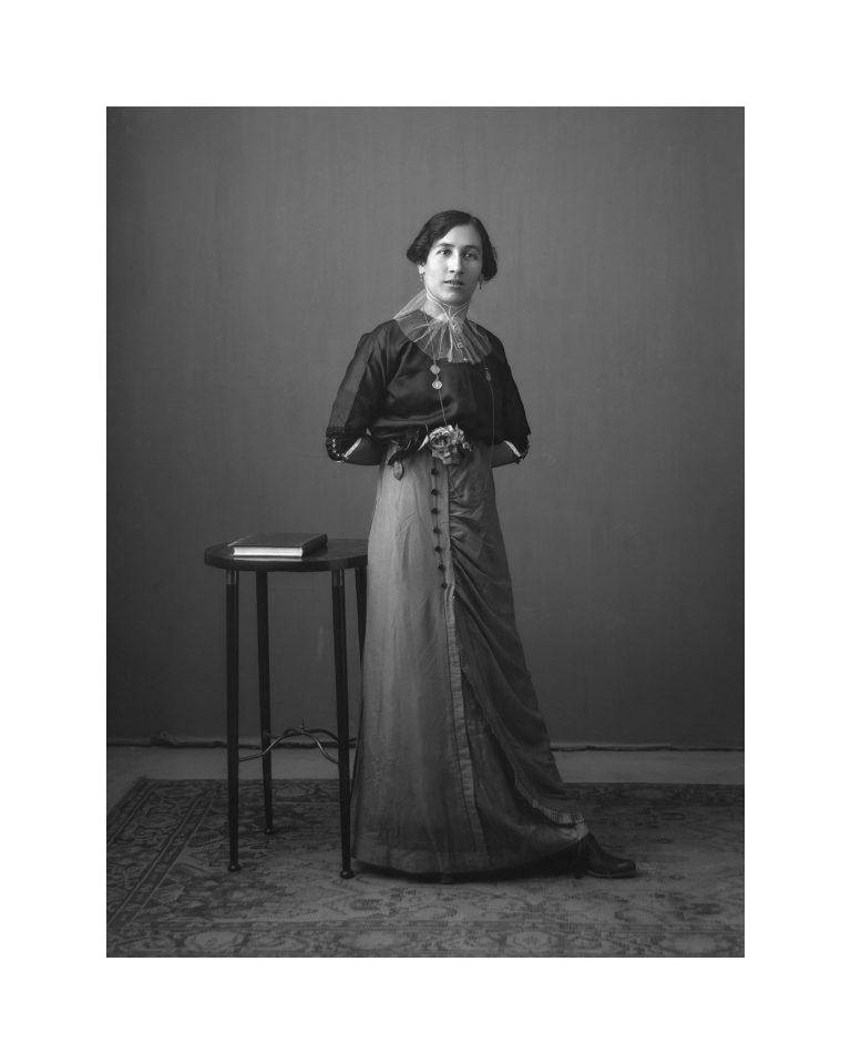 Retrat de una dona. Any 1915-1920