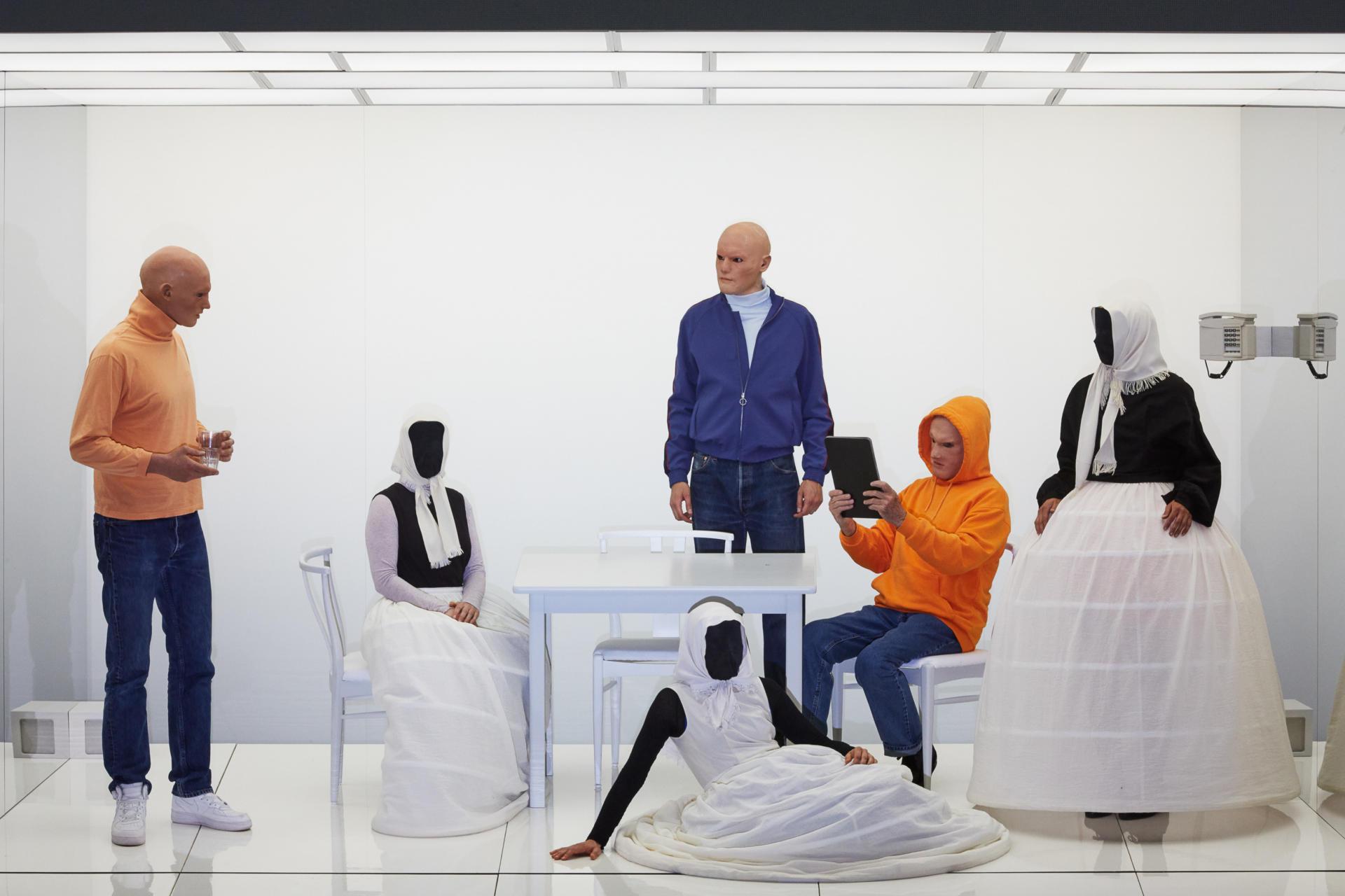 'Les tres germanes' de Txékhov versionada per Susanne Kennedy