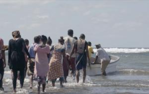 Superflex, imatge de la pel·lícula Kwassa Kwassa, 2015. Comisionada per Beaufort Beyond Borders 2015 i la 6ª Bienal de Marrakech. Amb el support del Danish Art Council