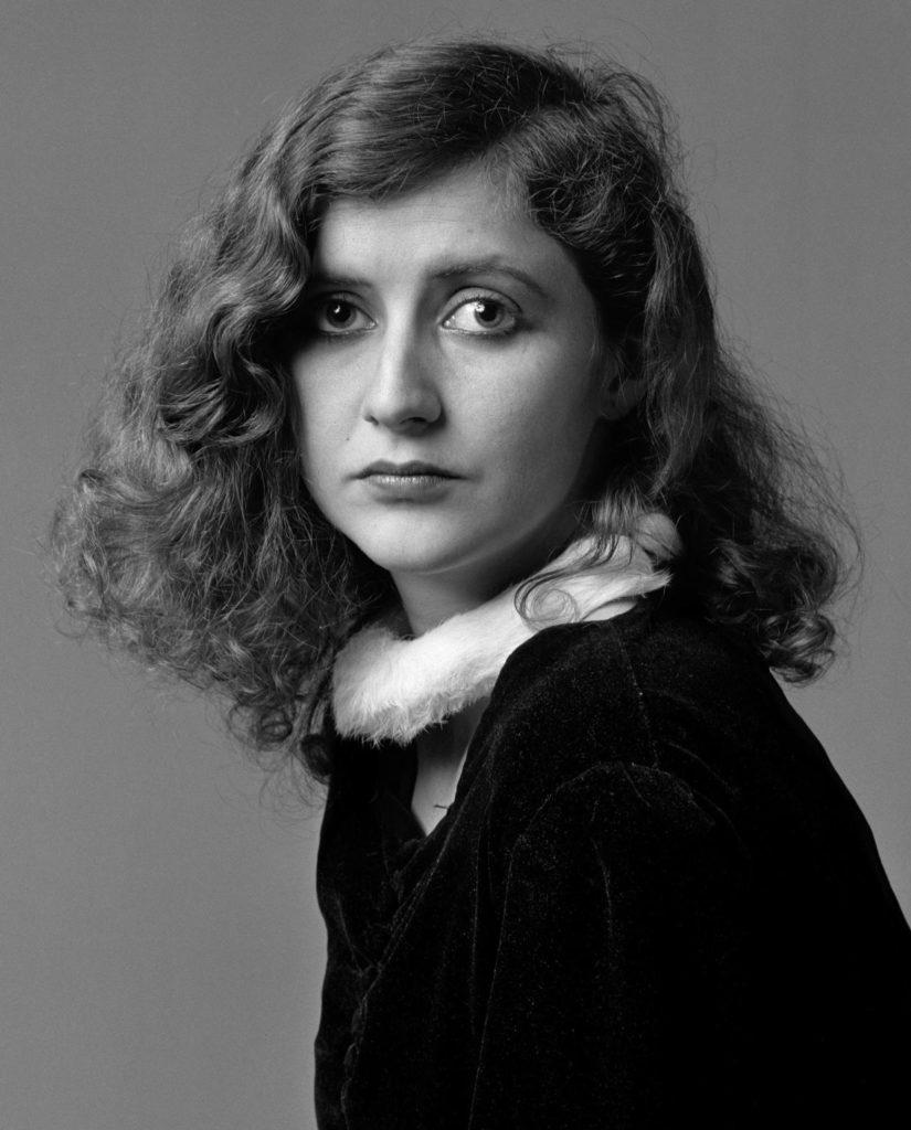 """L'escriptora Isabel Núñez, retrat de la sèrie """"Hola! Barcelona"""" (1982)"""