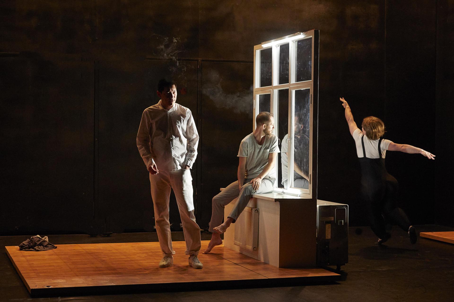 Una escena d''Outside'. By Christophe Raynaud De Lage / Festival d'Avignon