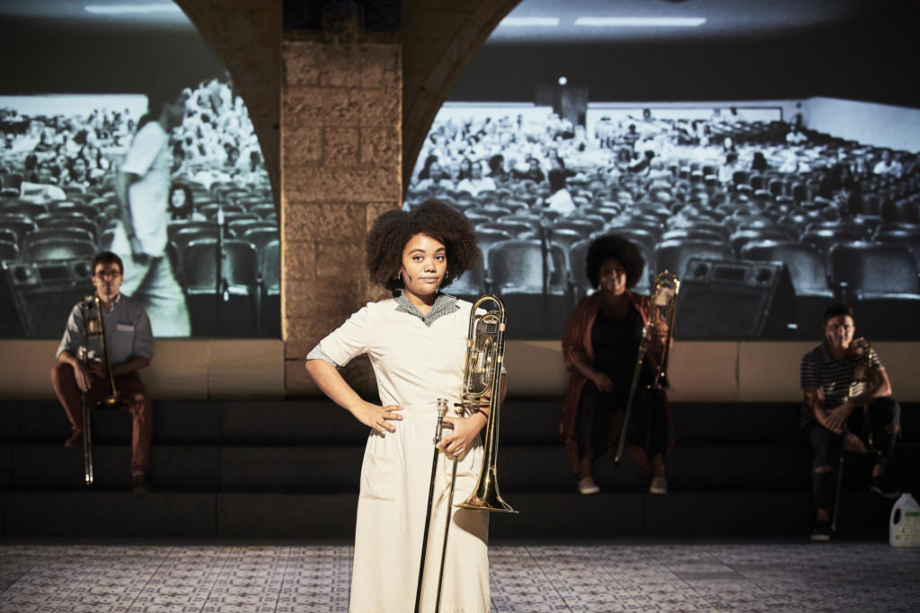 Una escena de 'Granma. Els trombons de l'Havana'. By Christophe Raynaud De Lage / Festival d'Avignon