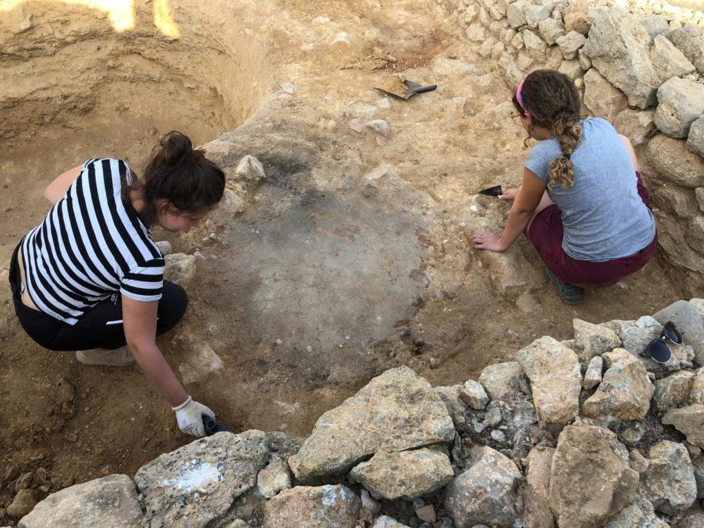 Els treballs d'excavació s'han focalitzat sobretot a l'extrem nord del nucli grec de la Neàpolis