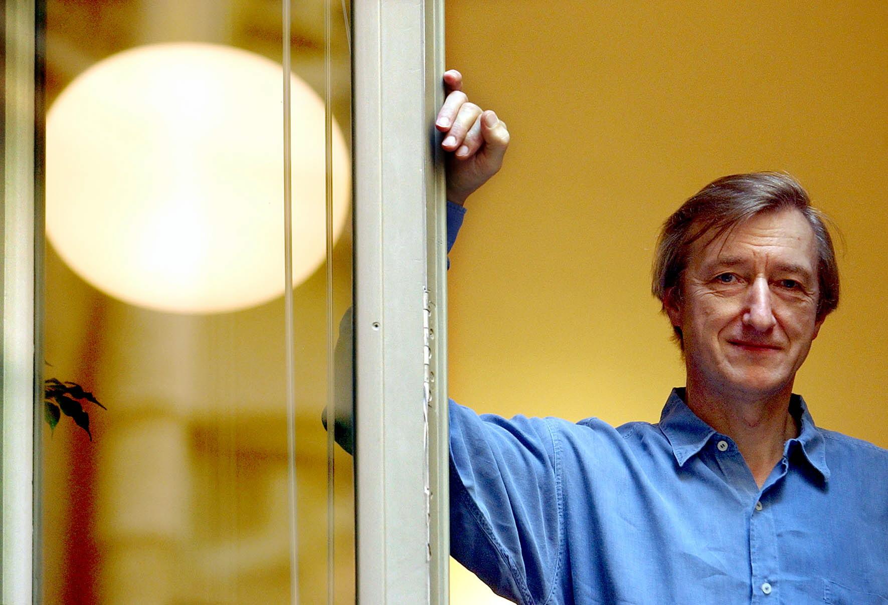 L'escriptor britànic Julian Barnes, en una imatge d'arxiu a Barcelona. Foto: EFE / Alberto Estévez