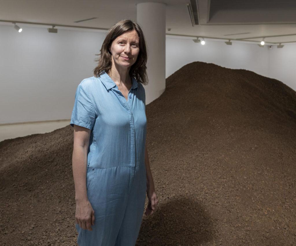 Lara Almarcegui. Volcà d'Agras. Drets miners. Foto: IVAM