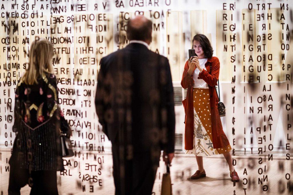 """Vites de l'exposició """"Jaume Plensa"""" a Moscou. Foto: MMOMA"""