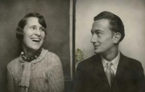 Autoretrats de Gala i Salvador Dalí en un photomaton, 1929. Bibliothèque Emmanuel Boussard, París.