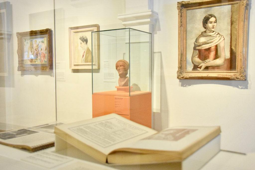 """Imatge de sala de l'exposició """"Realisme(s) a Catalunya 1917-1936"""", al Museu de Maricel de Sitges. Foto: Lluïsa Sala"""