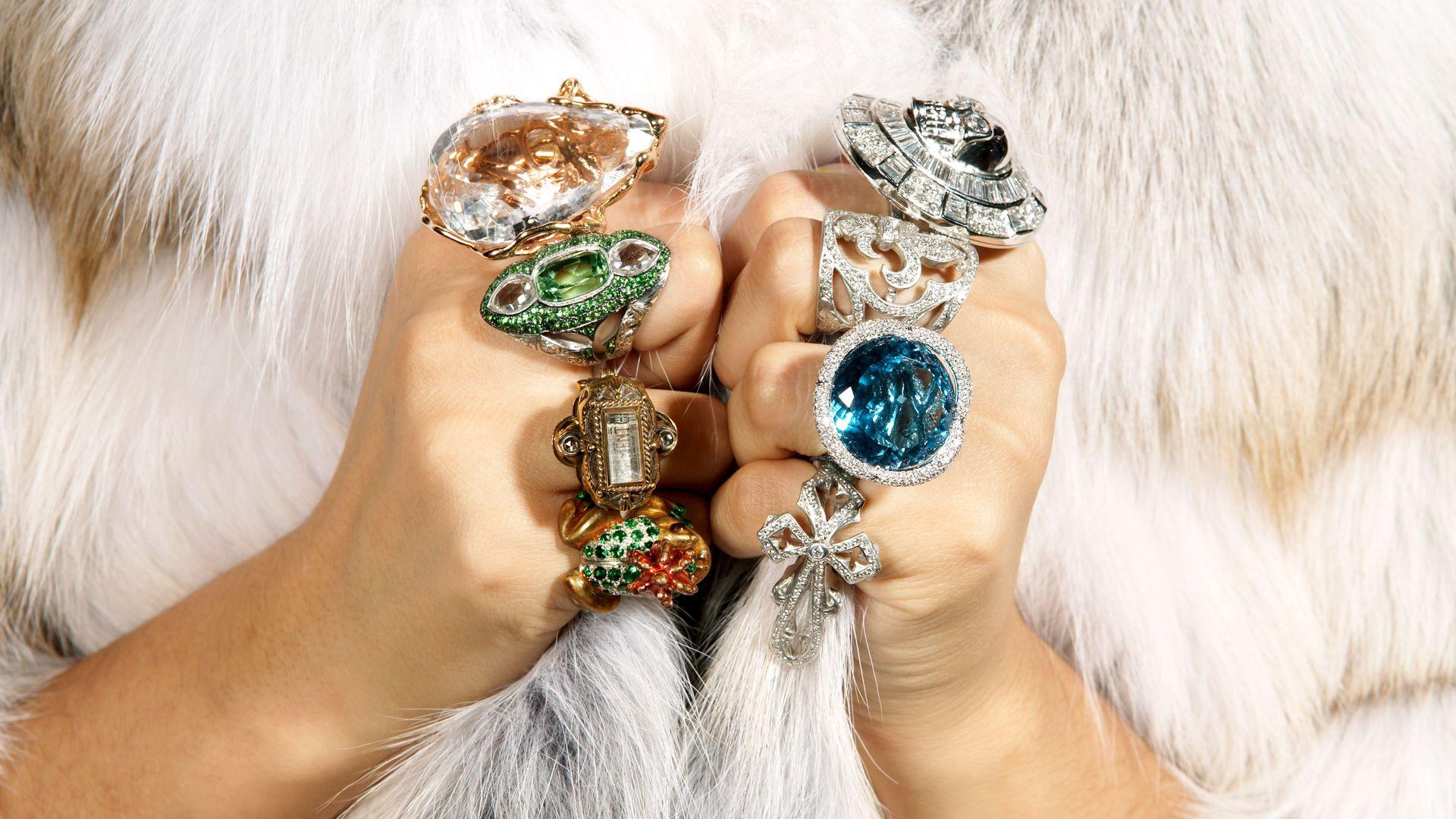 Una noia portant joies i diamants. Foto: Der Spiegel