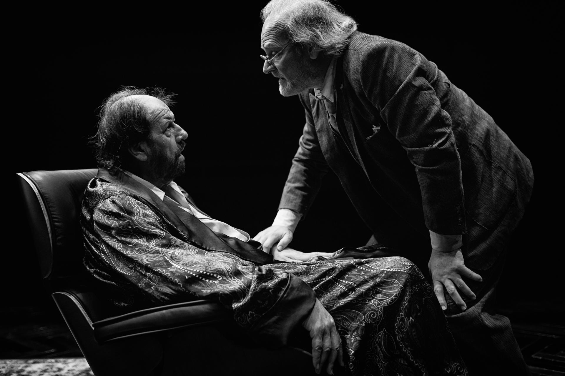 Josep Maria Pou i Lluís Homar al 'Terra de ningú' de Xavier Albertí