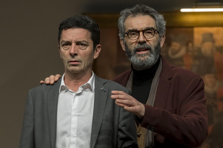 Josep Manel Cassany, en el paper de president, i Alfred Picó, en el de psiquiatra, protagonitzen 'L'electe'. | Vicente A. Jiménez