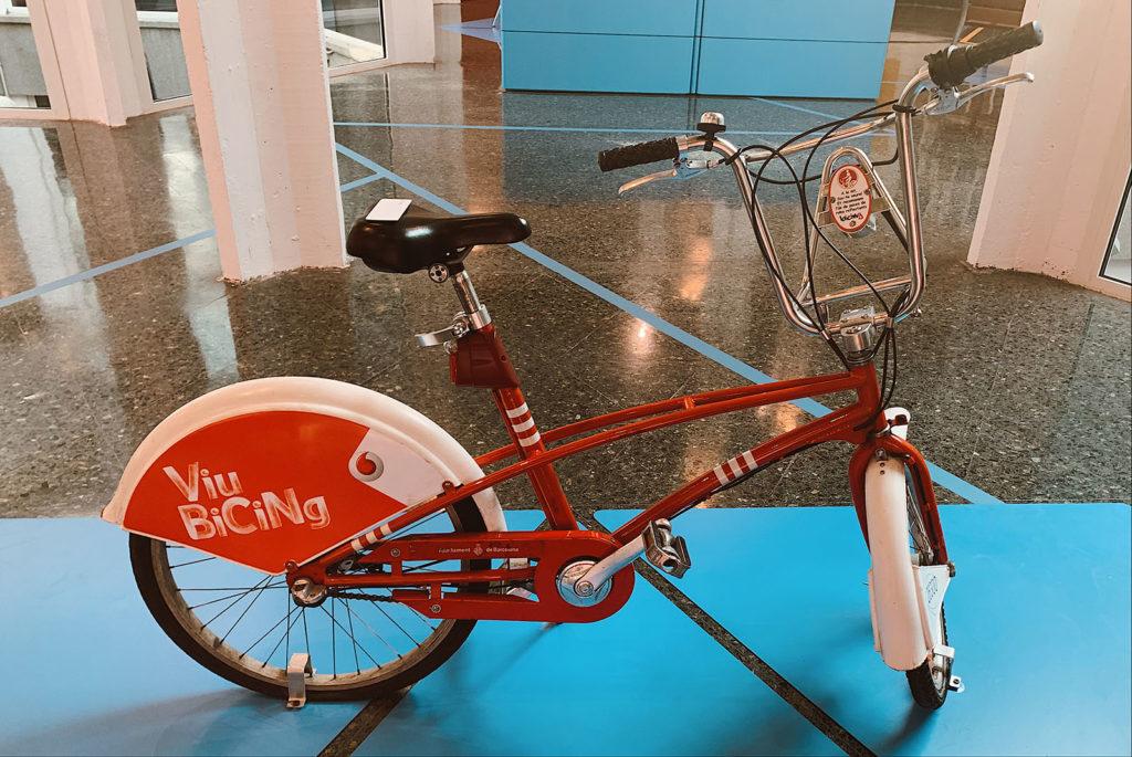 Una bicicleta de Bicing, un altra imatge recurrent de la ciutat de Barcelona. Foto: Cristina Capdevila