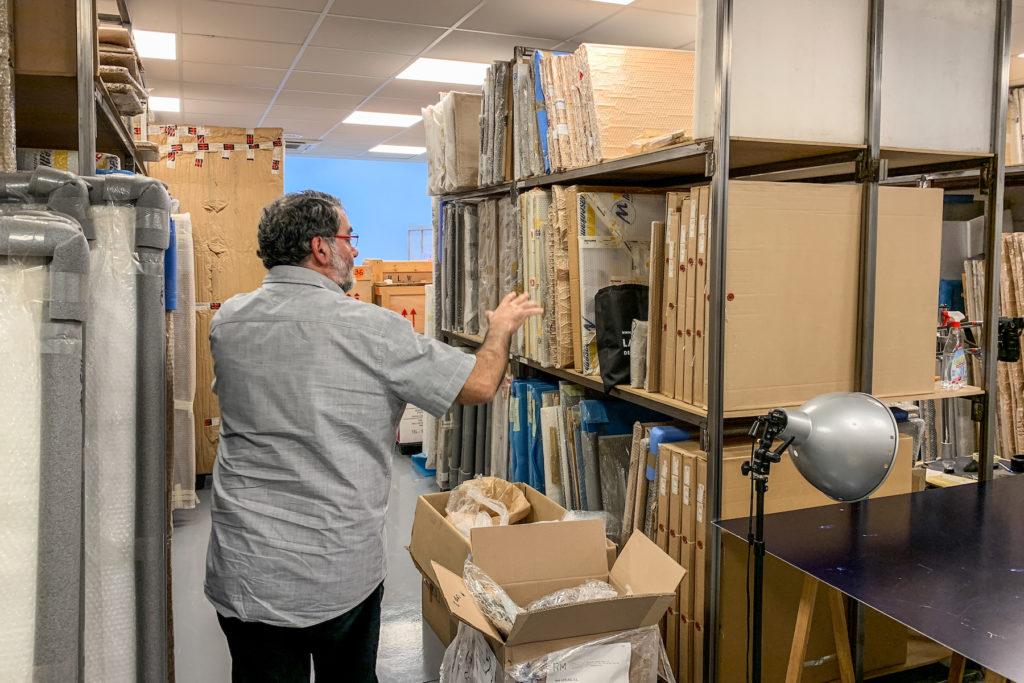 Joan Fontcuberta, al seu magatzem. Foto: Esteve Plantada