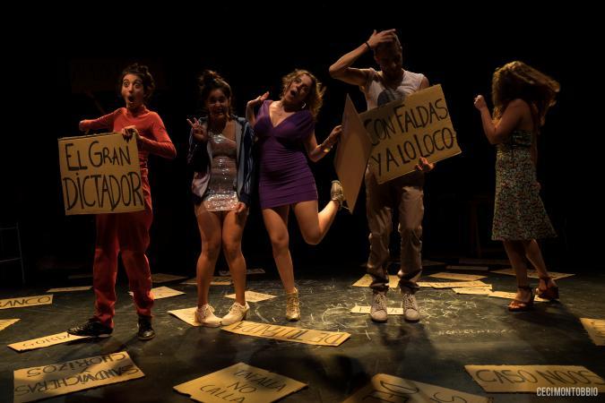 'Los bancos regalan sandwicheras y chorizos', de José y Sus Hermanas, va ser Premi de la Crítica de Barcelona a l'Espectacle Revelació 2017