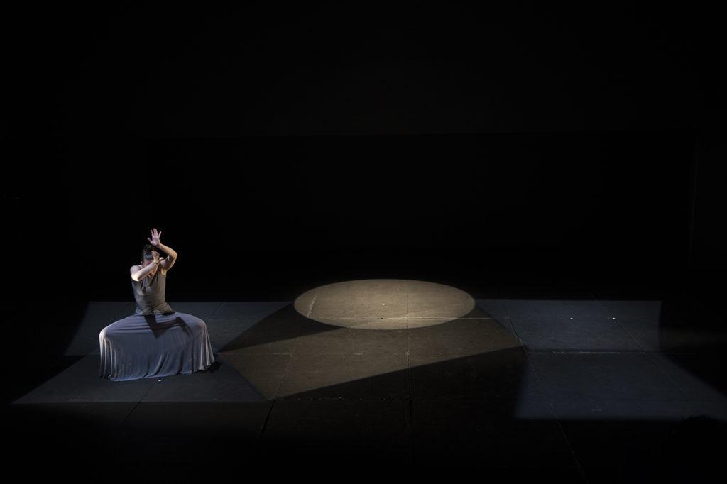 Una escena de Bailes de histéricas de Carmen Muñoz. Foto Kazumasa-Horiuchi