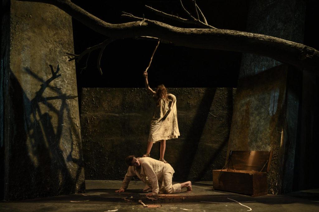 Joan Ollé ha adaptat aquesta temporada 'La mort i la primavera' de Mercè Rodoreda. Foto: May Zircus/TNC