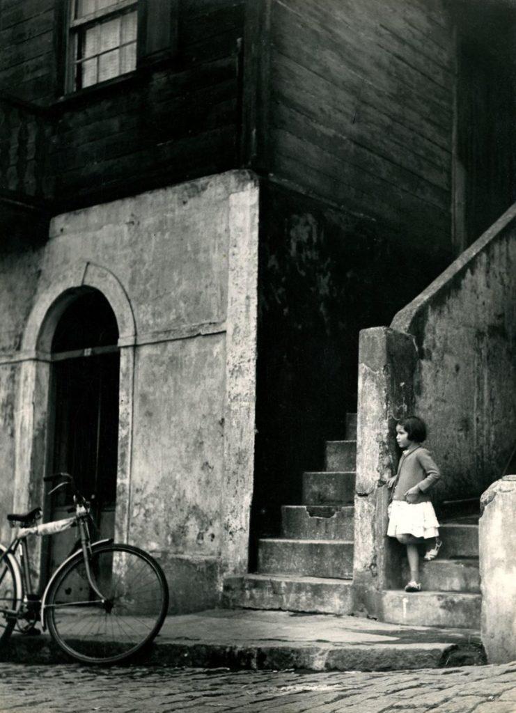 Espera, fotografia de Palmira Puig presentada al 18è Saló Internacional de Fotografia de Sao Paulo, el 1959