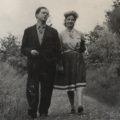 """Dylan Thomas i Caitlin MacNamara als voltants de """"The Boat House"""""""