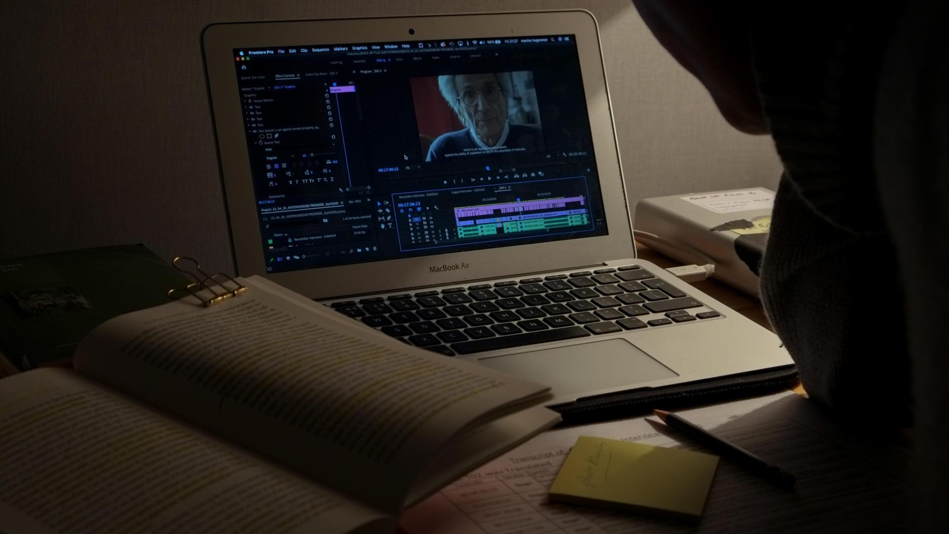 Marine Hugonnier, en confinament a Londres, enllesteix l'edició del film Antonio Negri.