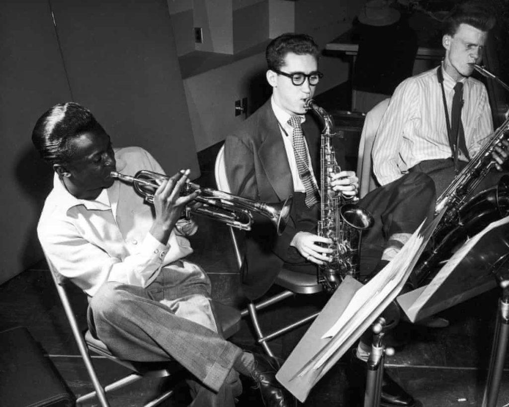 Miles Davis, LeeKonitz i Gerry Mulligan durant la gravacio de The Birth of the Cool ©Donaldson CollectionGetty Images