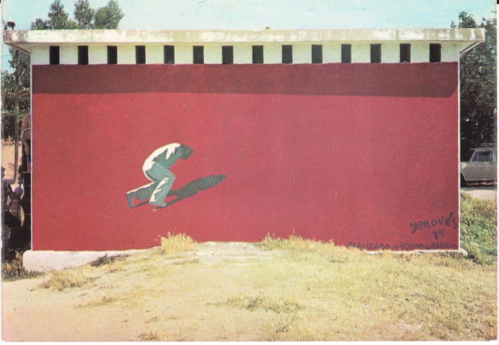 Mural pintat per Juan Genovés al barri madrileny de Portugalete el 1975. © Asociación Vecinal Villa Rosa (Comisión Portugalete)