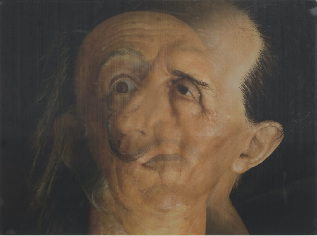 """Carlos Pazos, """"Dadú"""", 2009. Imatge lenticular feta a partir de dues fotografies de Joanna Rosselló, que es pot veure a l'exposició """"Interrogantes suspendidos o Déjà vu?"""" a ADN Galeria. Fotografia: Roberto Ruiz."""