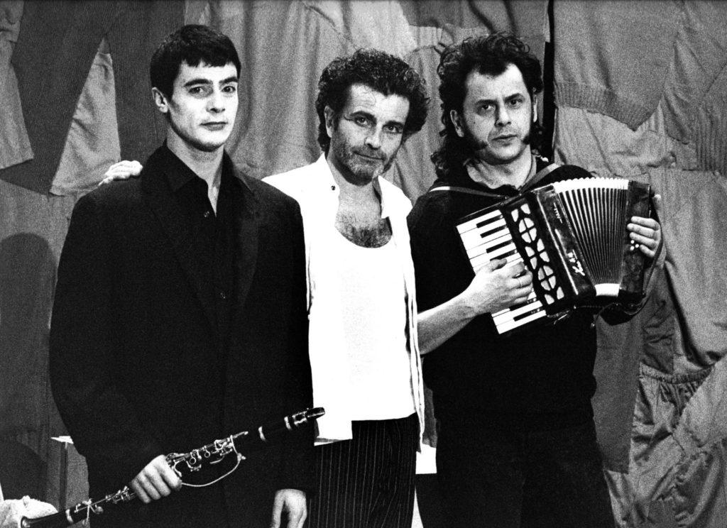 Joan Palau, Quim Lecina i Pascal Comelade a El funàmbul de Jean Genet (1995) Foto Ros Ribas