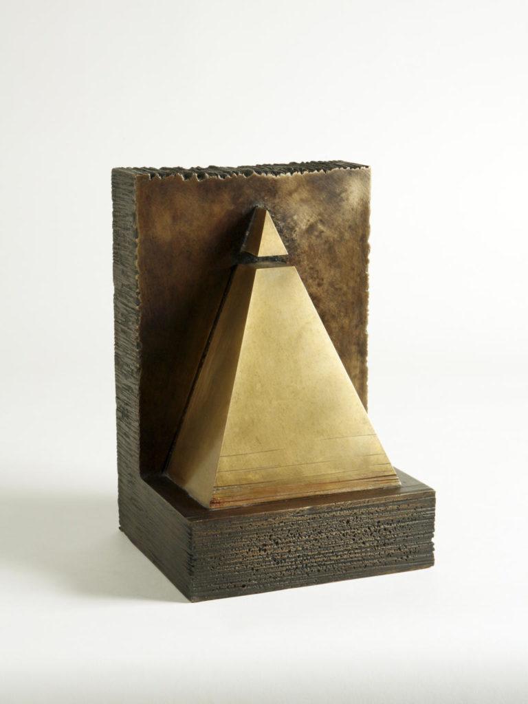 Josep Maria Subirachs. Piràmide. 1994