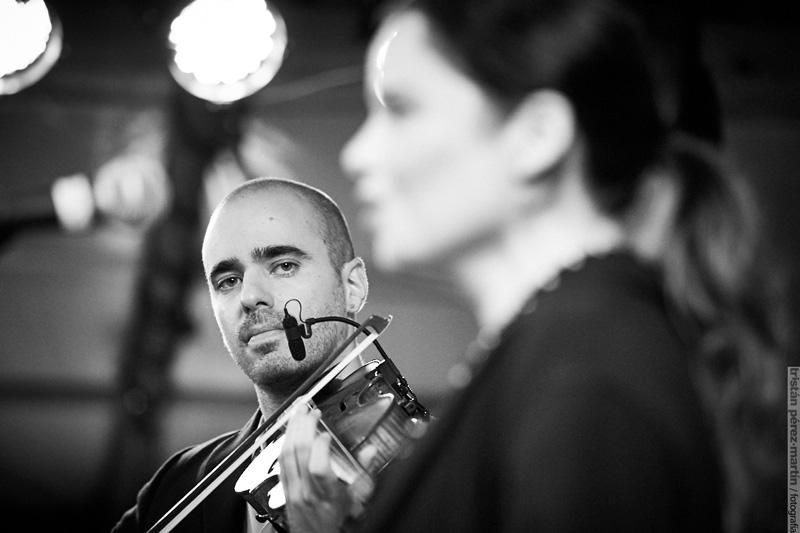 Mal Pelo proposa un diàleg entre música, dansa i arquitectura. Foto: ©Tristan Perez-Martin