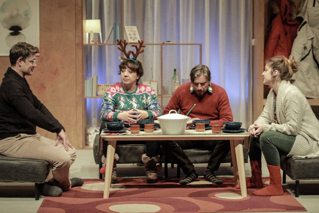 'Lapònia' és una comèdia de Cristina Clemente i Alejo Levis, que ha estat la primera a pujar a escena al Teatre Nacional de Split després de la pandèmia. Foto: Alejo Levis