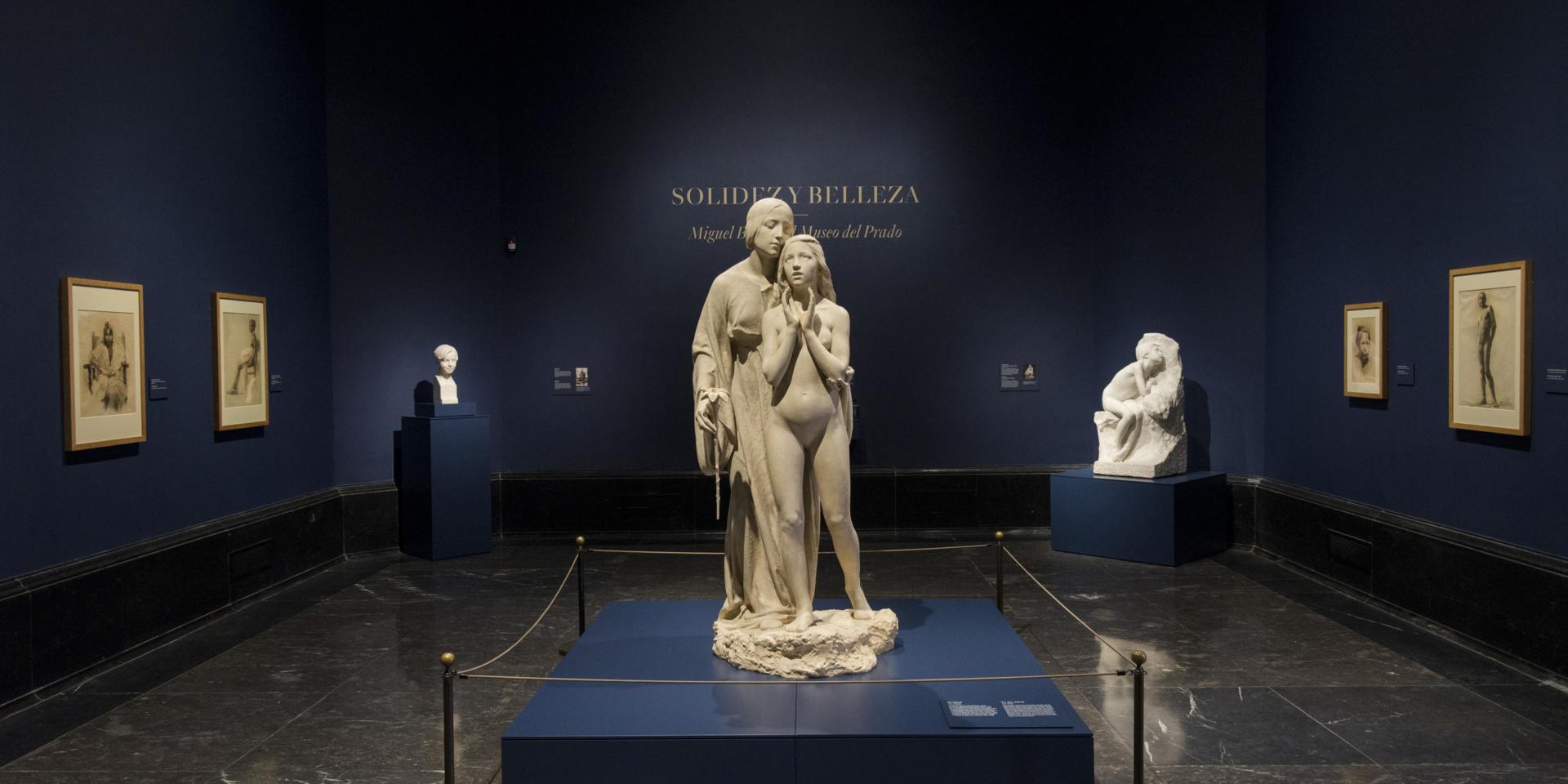 "Prat de la mostra ""Solidez y Belleza"" on s'exposava l'obra de Miquel Blay dins dels fons del Museo del Prado. Museo Nacional del Prado."