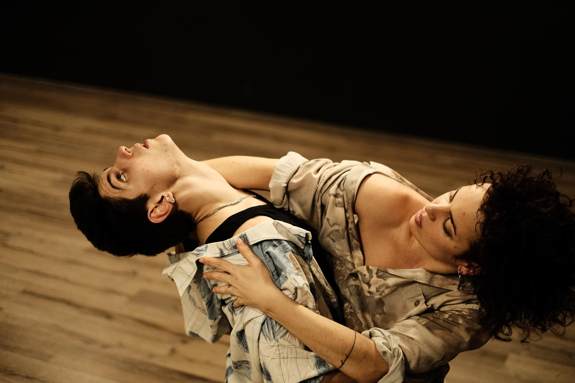 Ariadna Peya i Marc Soler ballen la nova creació de Les Impuxibles. Foto: Willy Ormaetxea