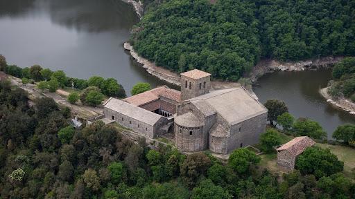 Entorn i monestir de Sant Pere de Casserres. CCO