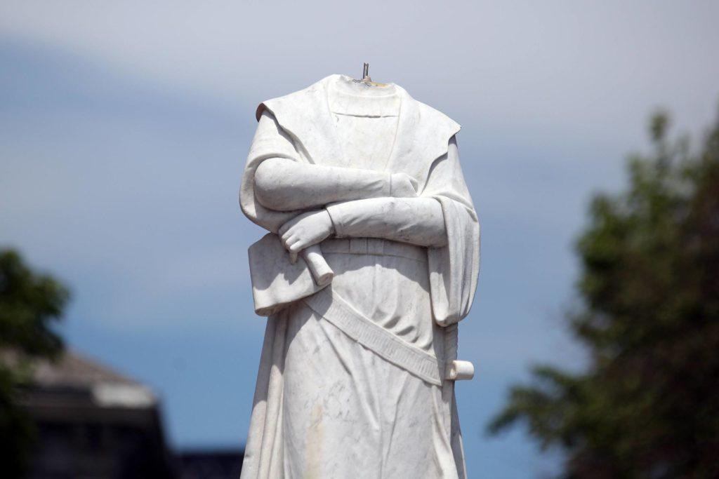 Estàtua de Colom recentment escapçada a Boston