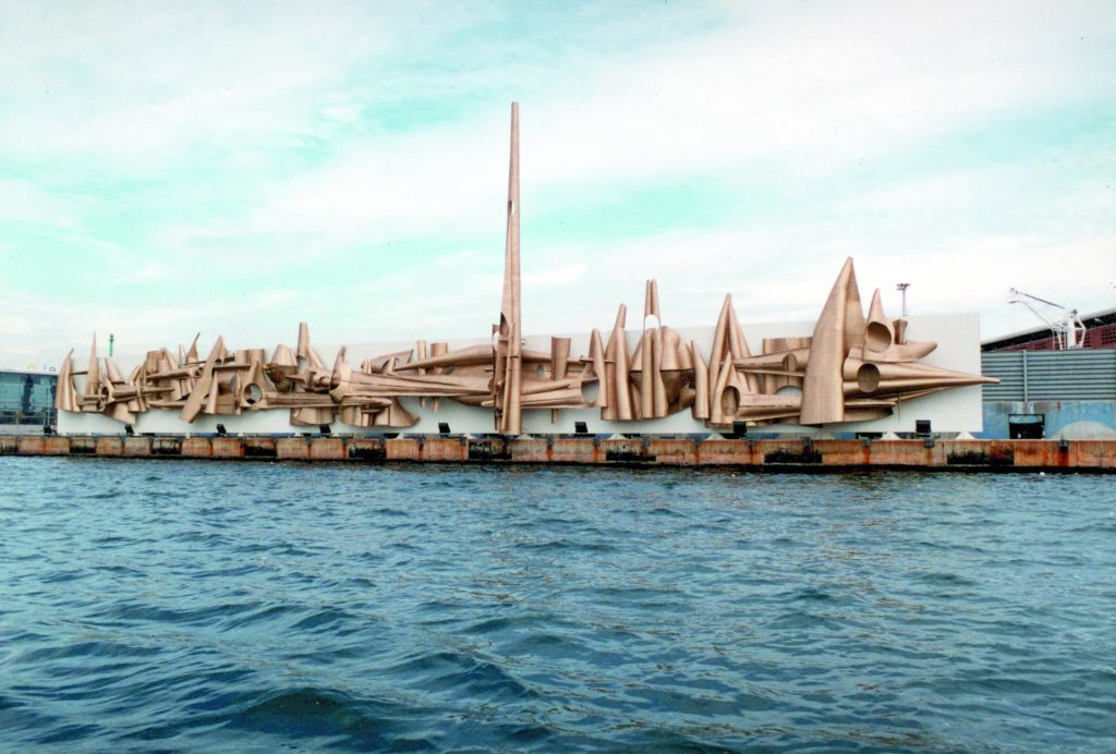 Fotografia enviada per Pere Casanovas de la restauració que va fer del Sideroploide, de Salvador Aulèstia, al port de Barcelona.