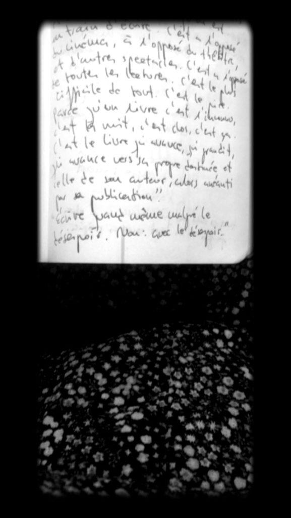 L'escriptura com a tatuatge, postal d'estiu enviada per Àngels Moreno